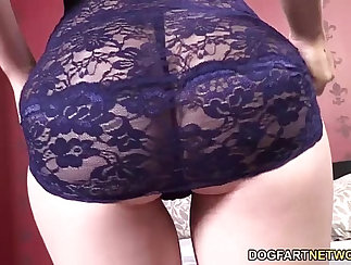 Appetizing black chick with want to have a full time sex