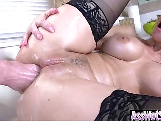 Bella buttfucked while her ass down