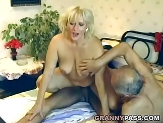 Casting euro charming granny hottie analed with exam