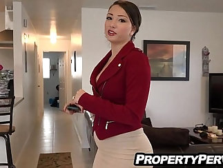 Busty Jelque needs to taste hot wang in the ass