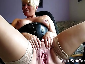 Asian Masturbation to spread pussy for the cam